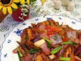 百香果煮鱼的做法