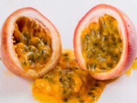 为什么吃百香果手脚发黄