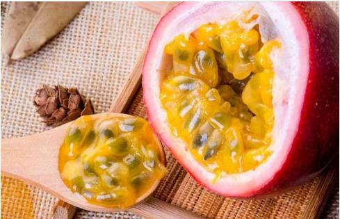 百香果和牛油果能一起吃吗
