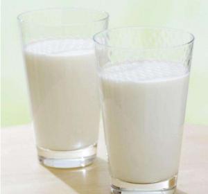 百香果可以和牛奶一起吃吗,百香果牛奶的做法