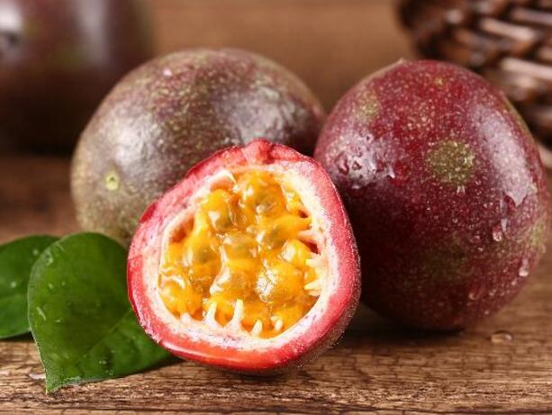 湿热体质能吃百香果吗