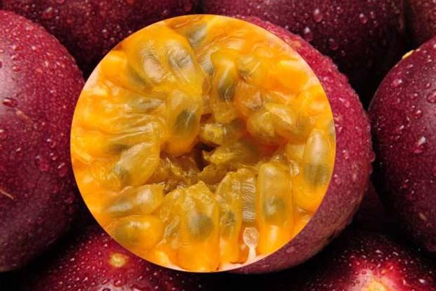 桃子能和百香果一起吃吗