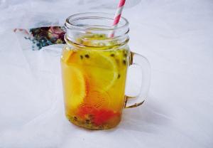西柚百香果果茶的做法